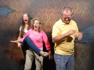 haunted_house_that_will_scare_you_to_death_part_2_640_35